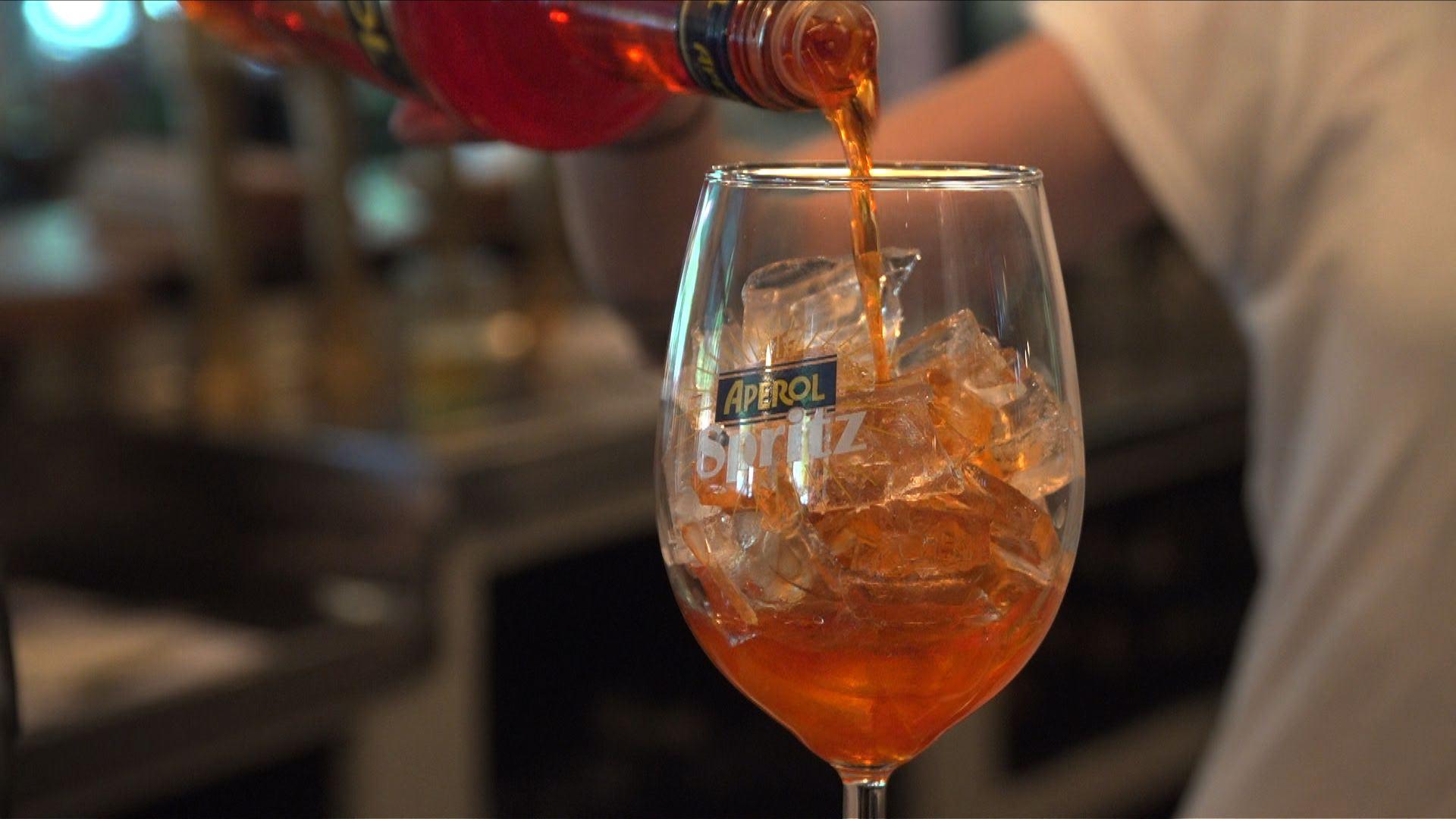 Spritzmania : comment un cocktail du 19e siècle a conquis l'Europe.