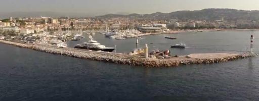 Luxe, fêtes et DJ : un été de folie à Cannes