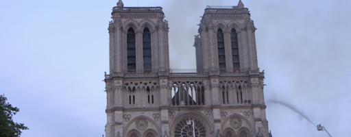 Pompiers de Paris : Sauver Notre Dame !